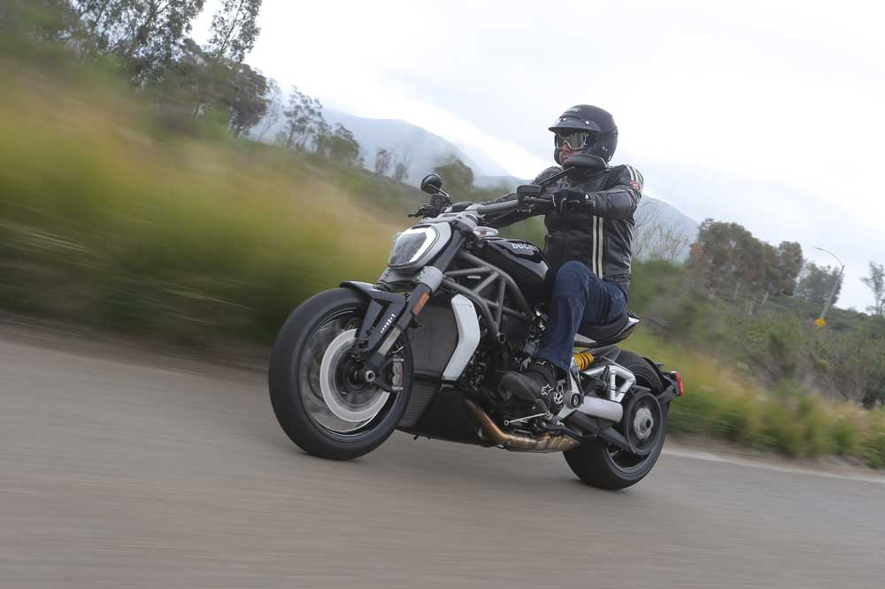Ducati XDiavel 2016, primera cruiser de la marca italiana