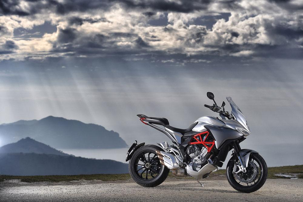 MV Agusta regala el seguro a todo riesgo por la compra de una moto de su gama