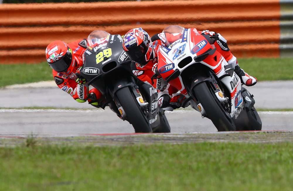 ¿Sería Casey Stoner la primera Ducati en una carrera del Mundial de MotoGP?