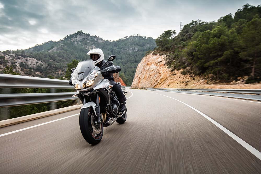 Triumph Tiger Sport 2016, tres cilindros ideales para rutas y viajes