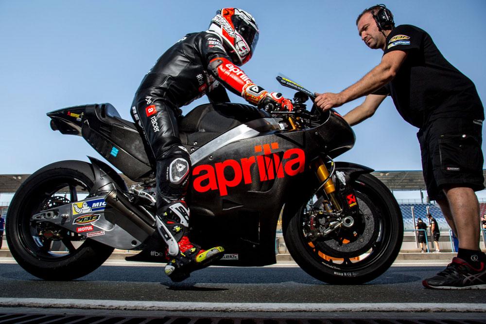 Aprilia prueba su nueva MotoGP en Qatar