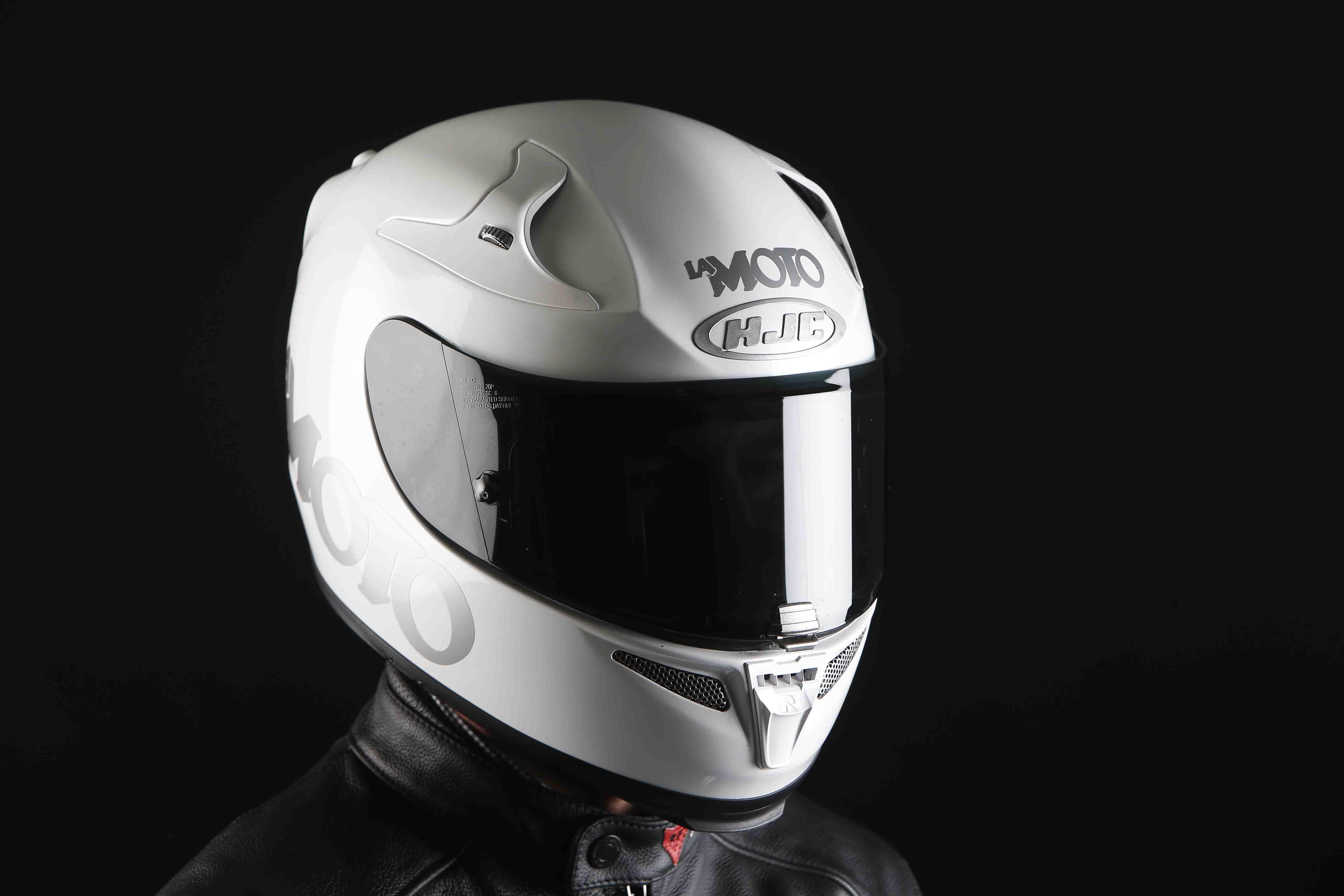 HJC RPHA 10 Plus: casco de moto probado durante un año