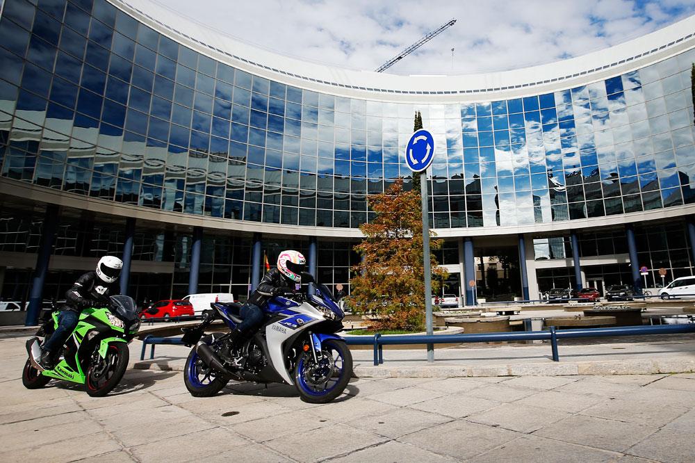 Kawasaki Ninja 300 y Yamaha YZF-R3, las motoescuela deportivas perfectas | Carretera ...