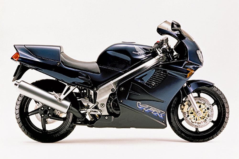 Honda VFR750F, una moto sport-turismo clásica