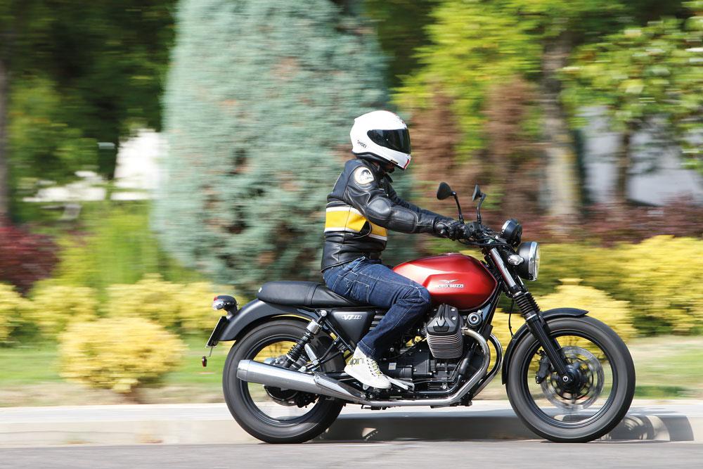 Moto Guzzi V7 II Stone, una moto sencilla y exclusiva