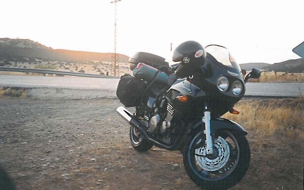 100.000 km con la Triumph Sprint 900