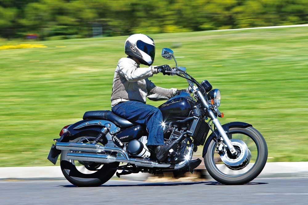 Daelim Daystar 250FI, una moto custom barata y para el A2