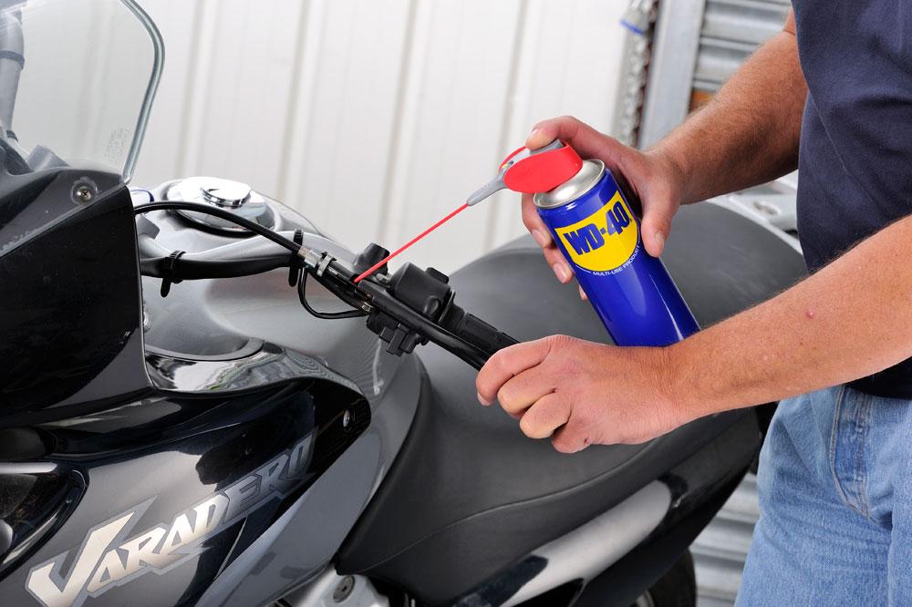 El mantenimiento de los mandos de la moto
