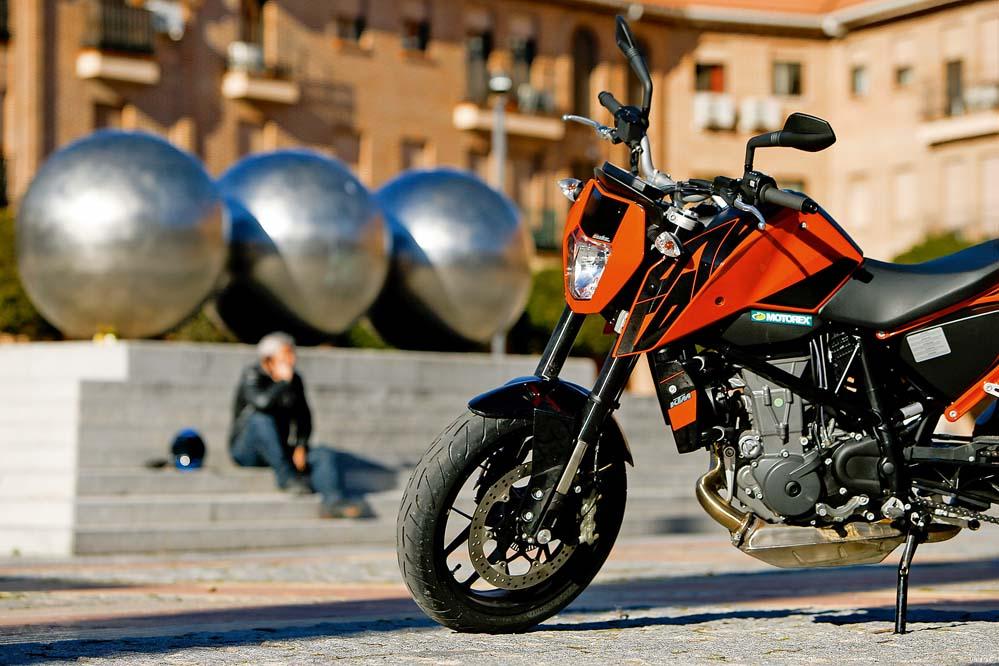 KTM 690 Duke, la alternativa a las motos de varios cilindros