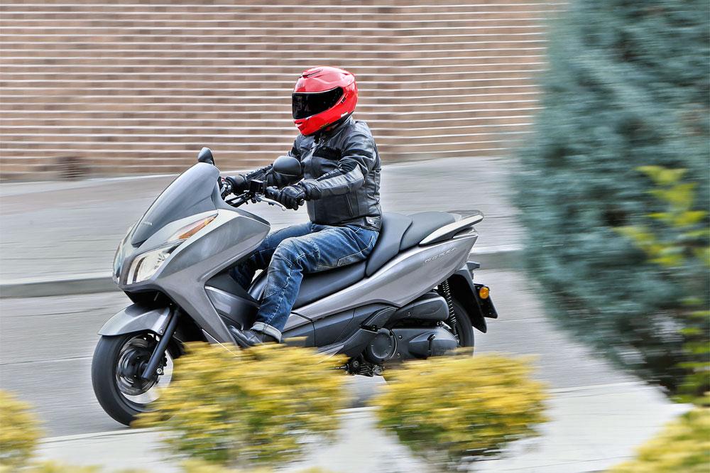 Honda Forza 300, el scooter más completo