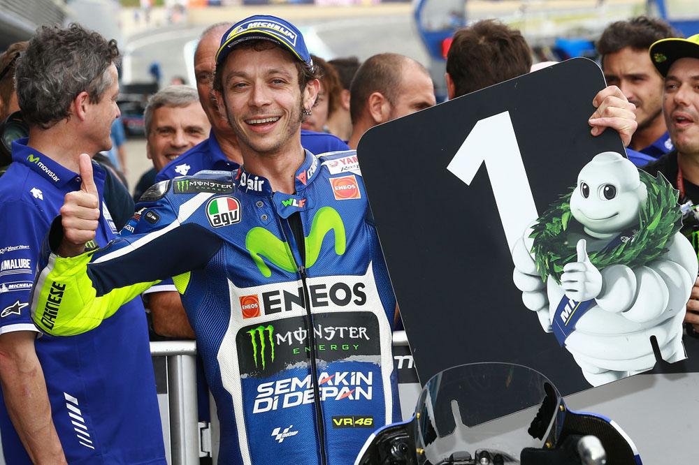 """Valentino Rossi: """"Será difícil que los tres lleguemos juntos a la última curva"""""""