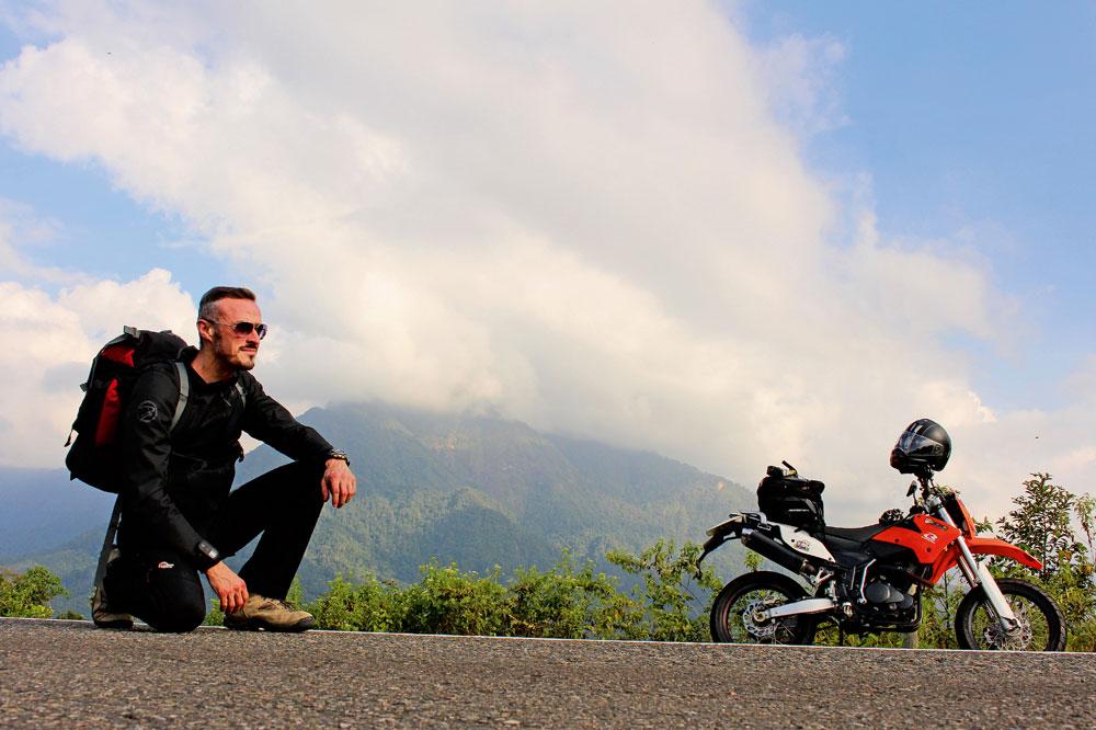 Viaje en moto por la Isla de Borneo
