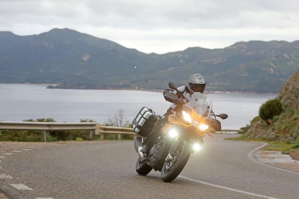 Cuántas luces podemos montar en la moto