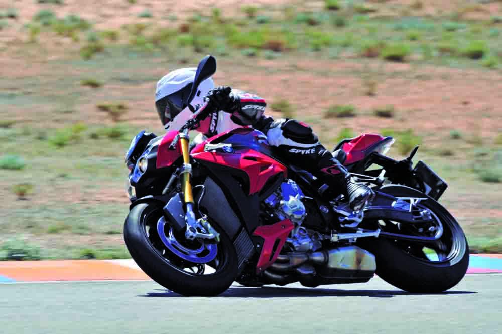 Prueba Continental ContiSportAttack 3 y ContiTrack: nuevos neumáticos para motos deportivas