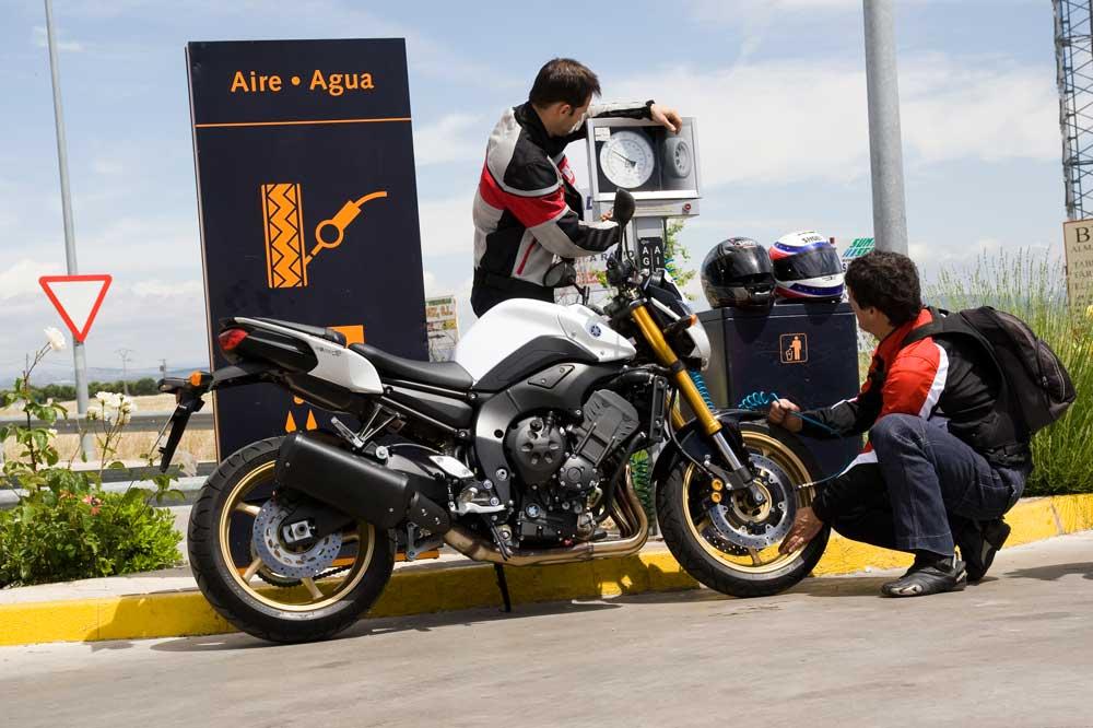 La presión correcta de las ruedas de una moto