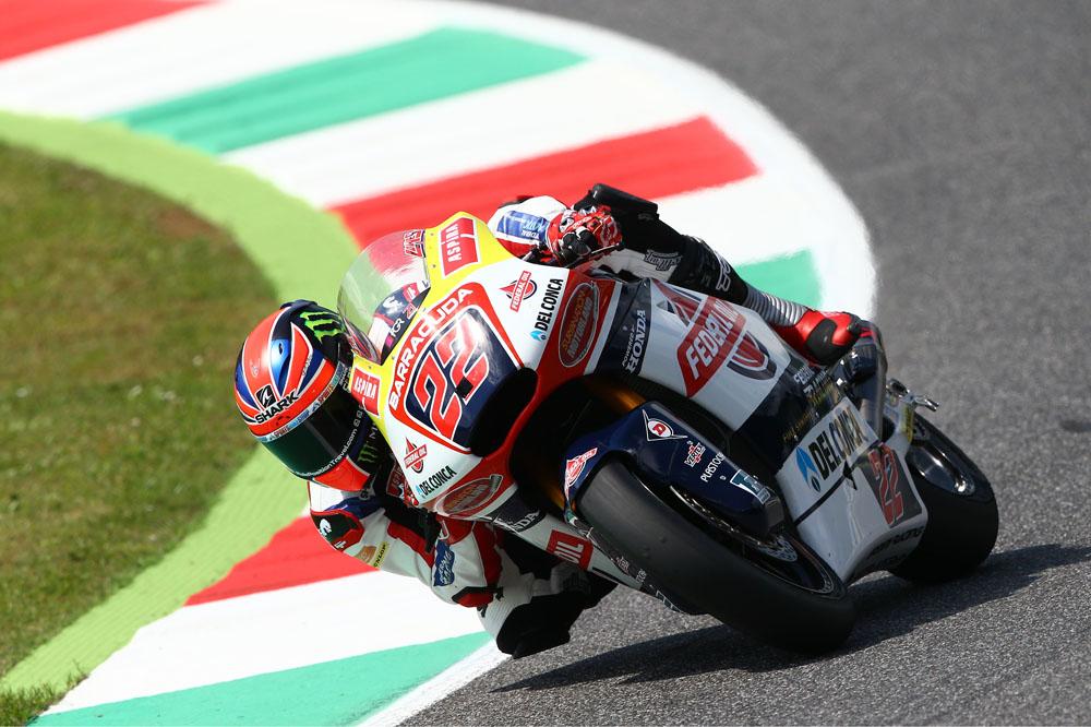 Sam Lowes domina el último libre de Moto2