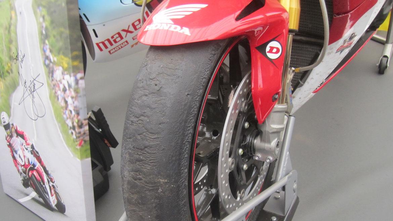 Los neumáticos que usan en el TT Man