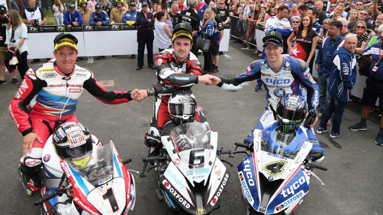 Michael Dunlop gana el Senior TT de la Isla de Man