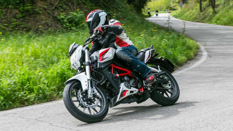 Qué hacer si te llegan multas de tu antigua moto