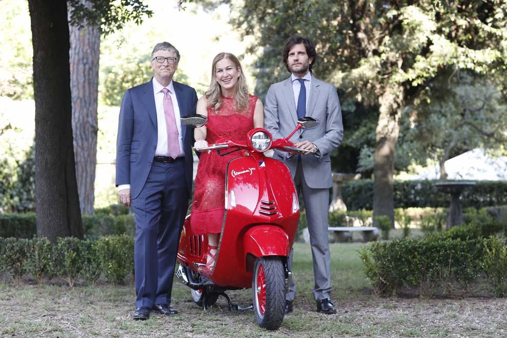 Piaggio y (RED) se unen para luchar contra el SIDA