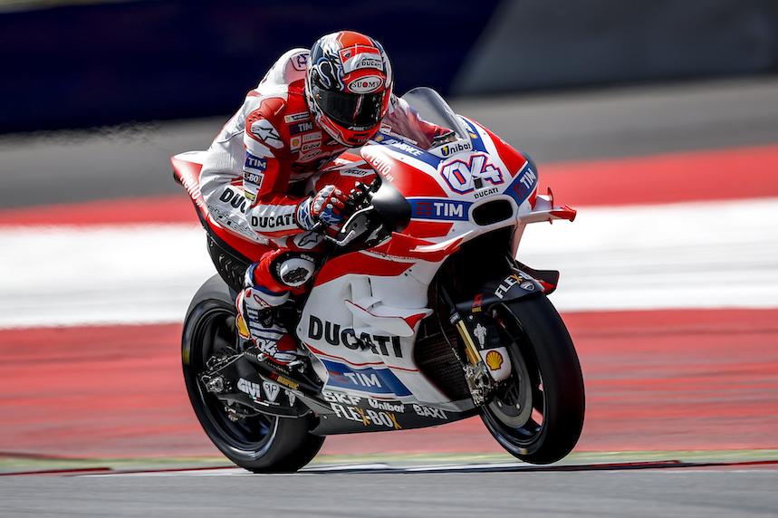 Andrea Dovizioso al frente de los test de MotoGP en Austria