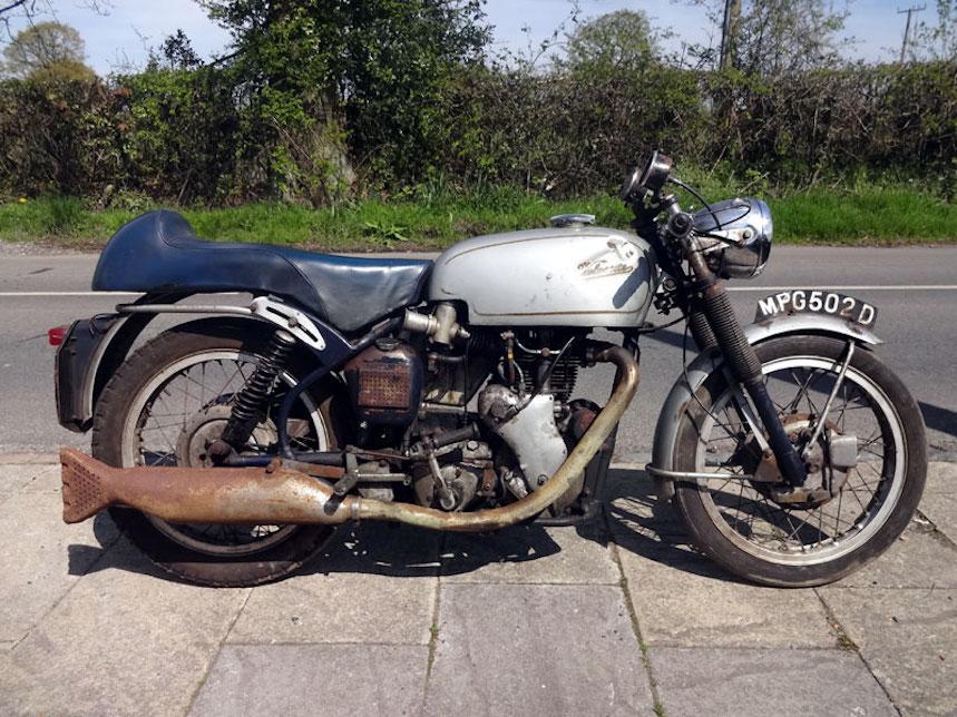 Velocette Thruxton de 1966, subastan un pedazo de historia