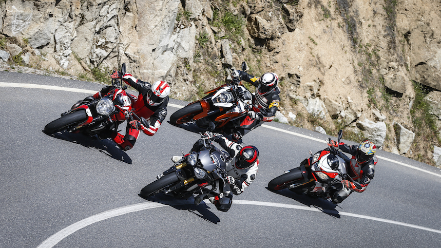 Comparativa super naked: Aprilia Tuono, KTM Super Duke, Ducati Monster 1200R y Triumph Speed Triple R