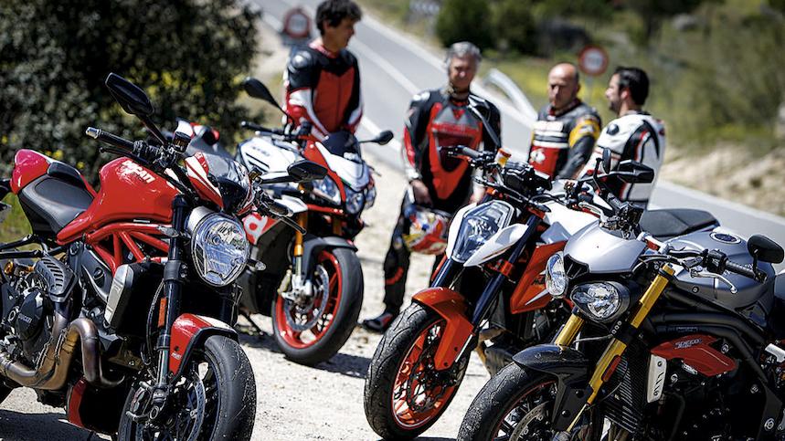 Comparativa super naked: Aprilia Tuono, KTM Super Duke, Ducati Monster 1200R y Triumph Speed Triple R (2)
