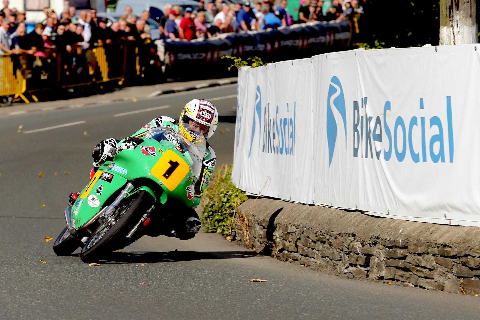 Fin de semana de récords en Classic TT con Michael Dunlop & Co