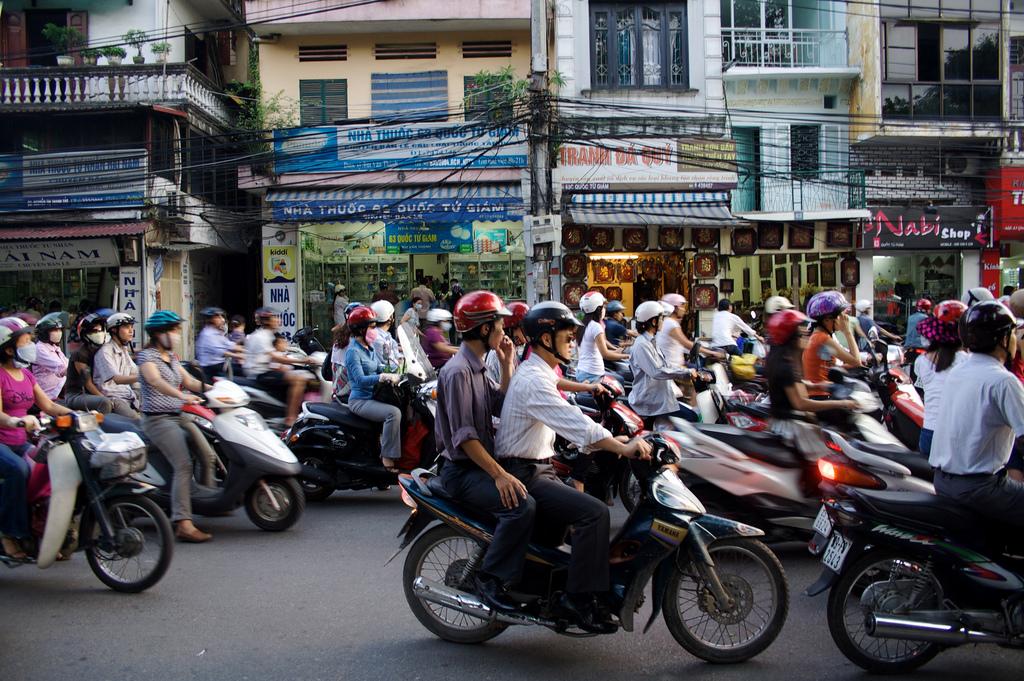 Hanoi planea erradicar las motos de sus calles antes de 2025