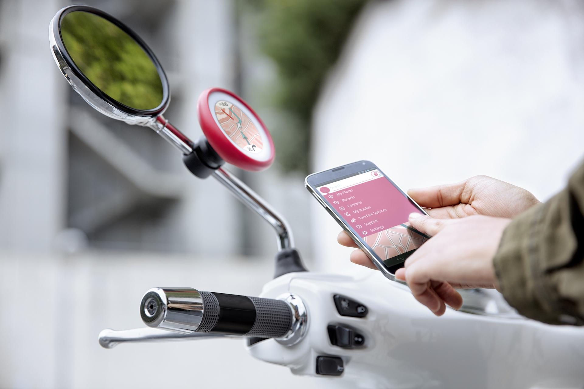TomTom VIO, navegación, radares y notificaciones para scooter
