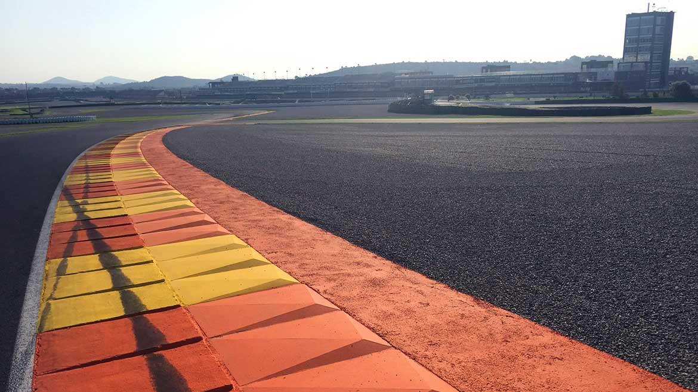 Reasfaltada la recta de meta del Circuit de Valencia