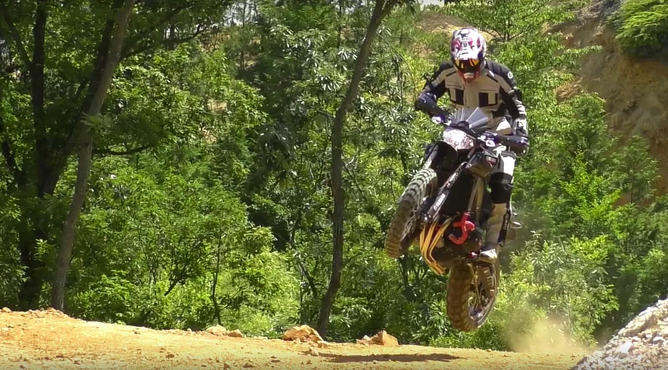 Yamaha MT-09 Off Road, una espectacular preparación para el más aventurero