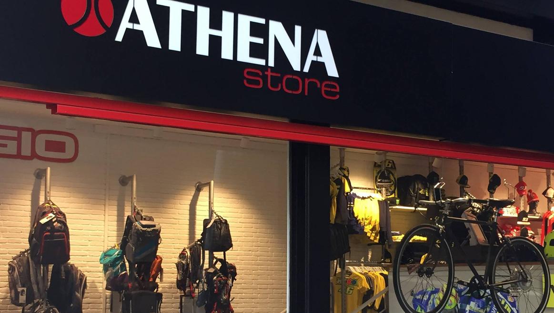 Athena Store Barcelona cumple su primer aniversario