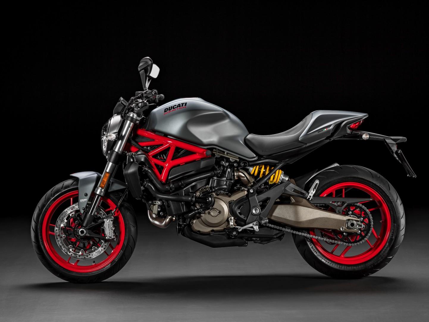 Ducati Monster 821 y Ducati 1299 Panigale