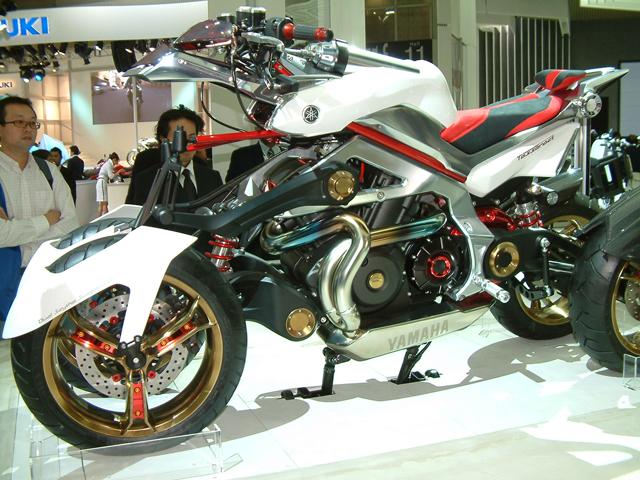 Desde la presentación de las Yamaha R6 y TMax 500 (y 4)