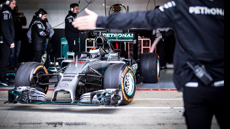 Jorge Lorenzo prueba el Mercedes F1 de Lewis Hamilton