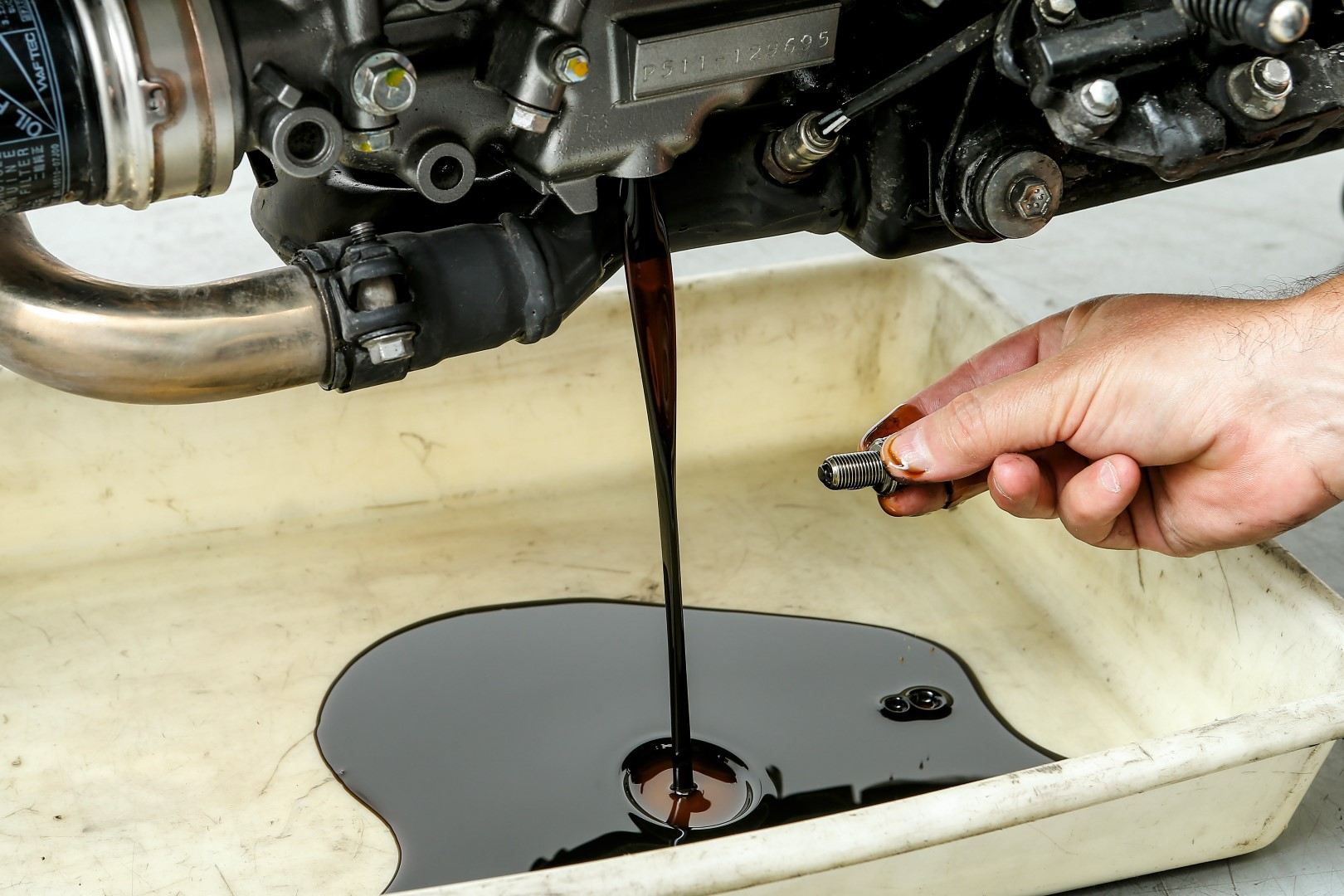 Cómo cambiar el aceite del motor de tu moto