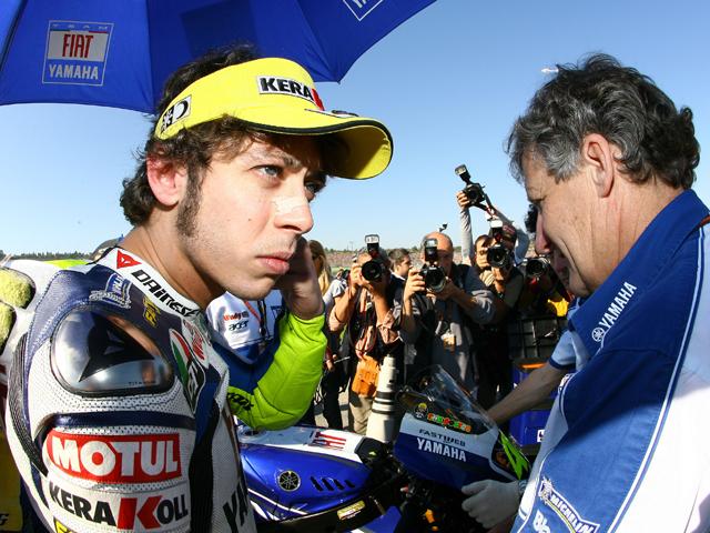Valentino Rossi irá con Bridgestone en 2008