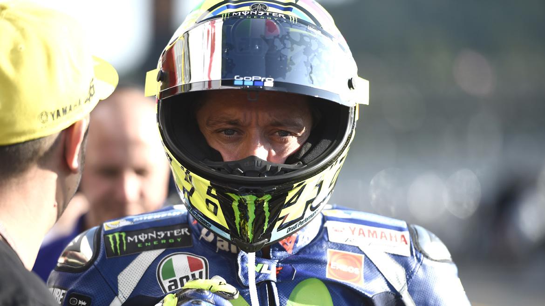"""Valentino Rossi: """"No sé qué ha pasado, no lo entiendo"""""""