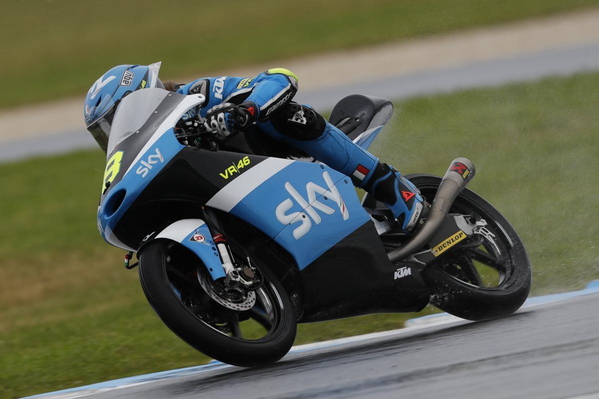 Nicolò Bulega se coloca al frente de los libres de Moto3 en Australia