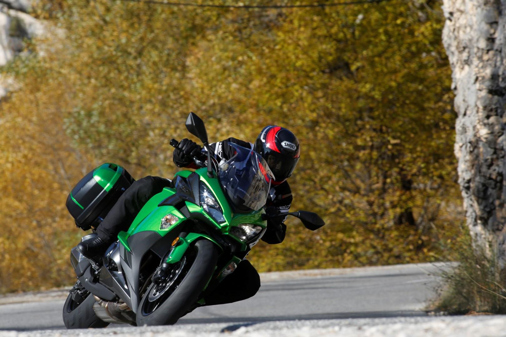 Probamos la nueva Kawasaki Z1000SX 2017