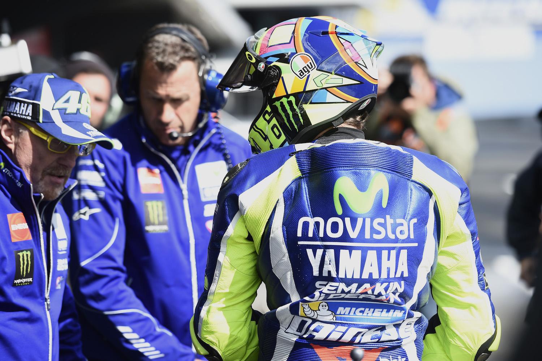 """Valentino Rossi: """"Sabíamos que sufriríamos en estas condiciones, pero esto es demasiado"""""""