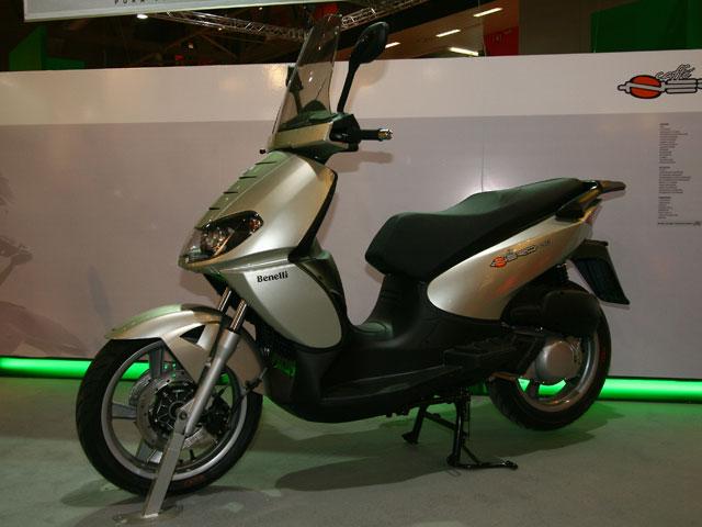 Novedades 2008: Benelli Caffenero 125 / Quattronove X 50 / Prototipos