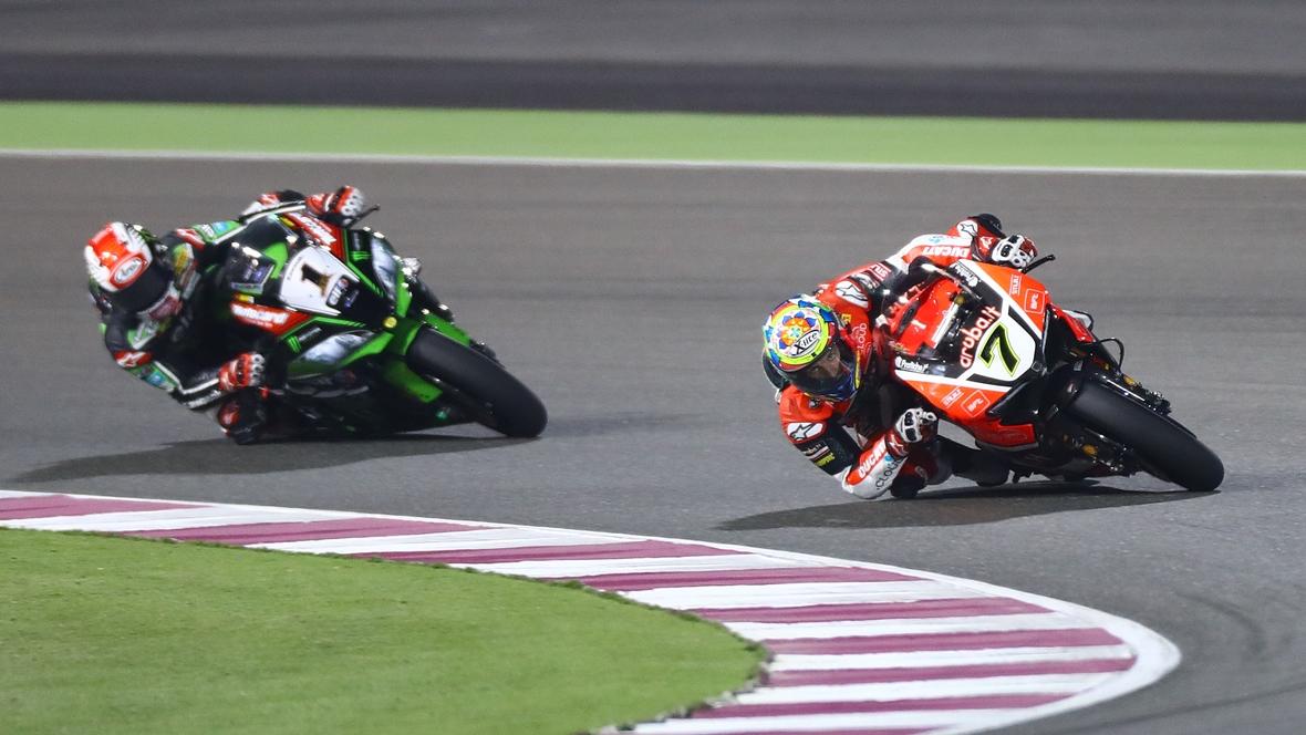 Chaz Davies brilla en Qatar y Jonathan Rea hace subcampeón a Tom Sykes