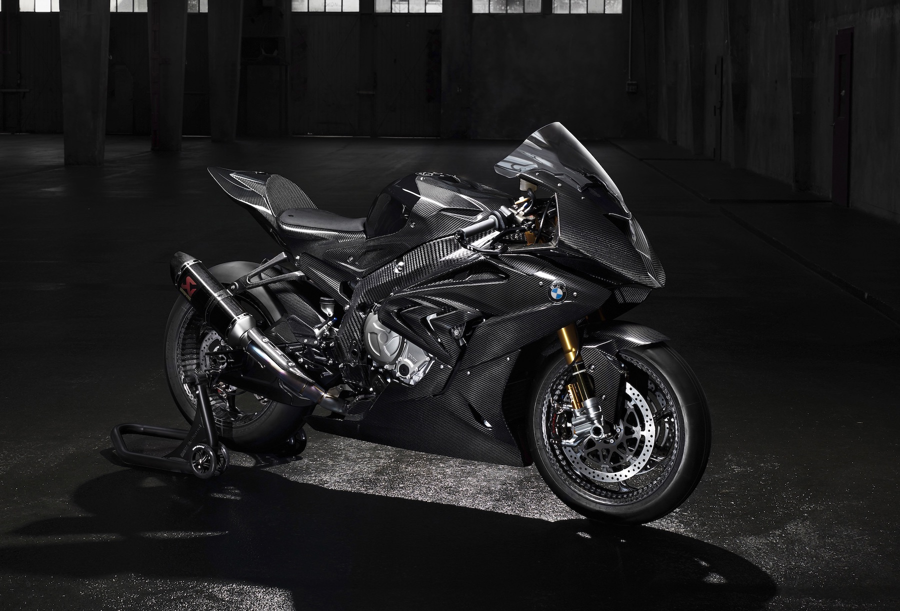 BMW HP4 Race, todo al carbono
