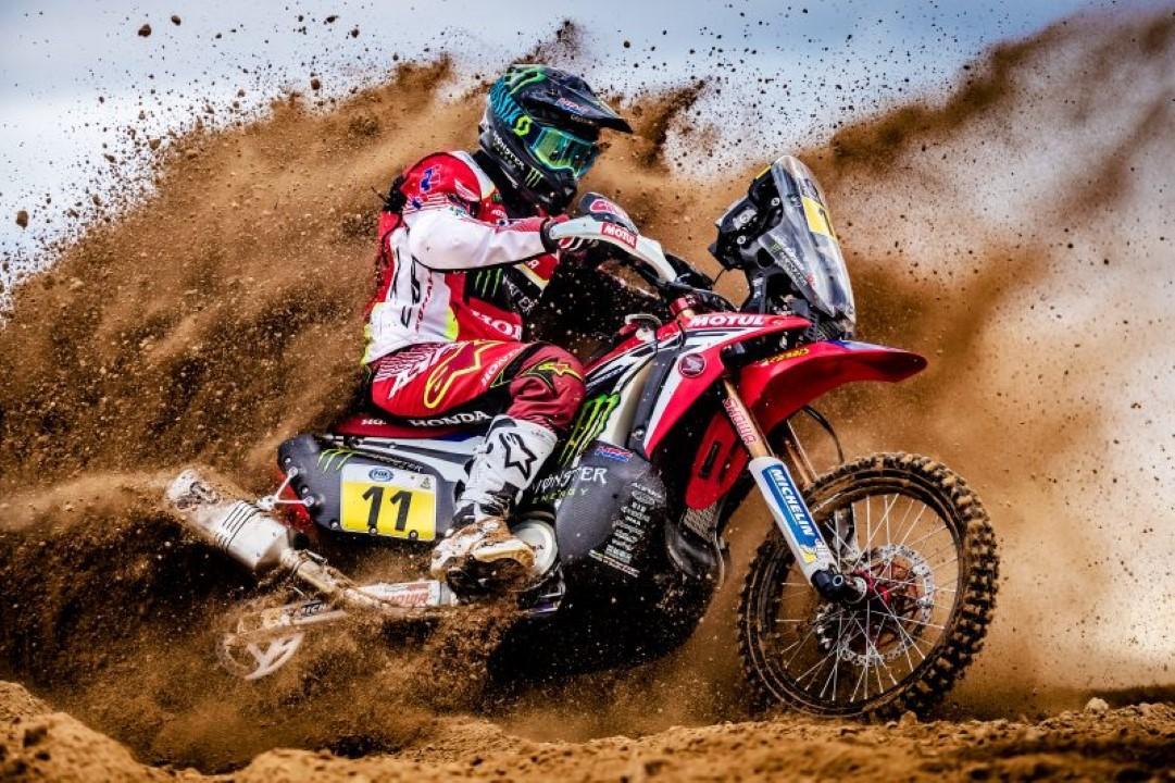 HRC muestra su moto para el Dakar 2017