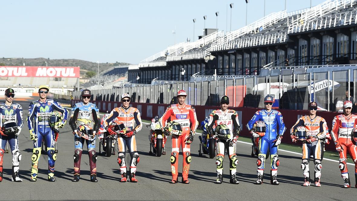 Una foto para la historia: los nueve ganadores de MotoGP 2016
