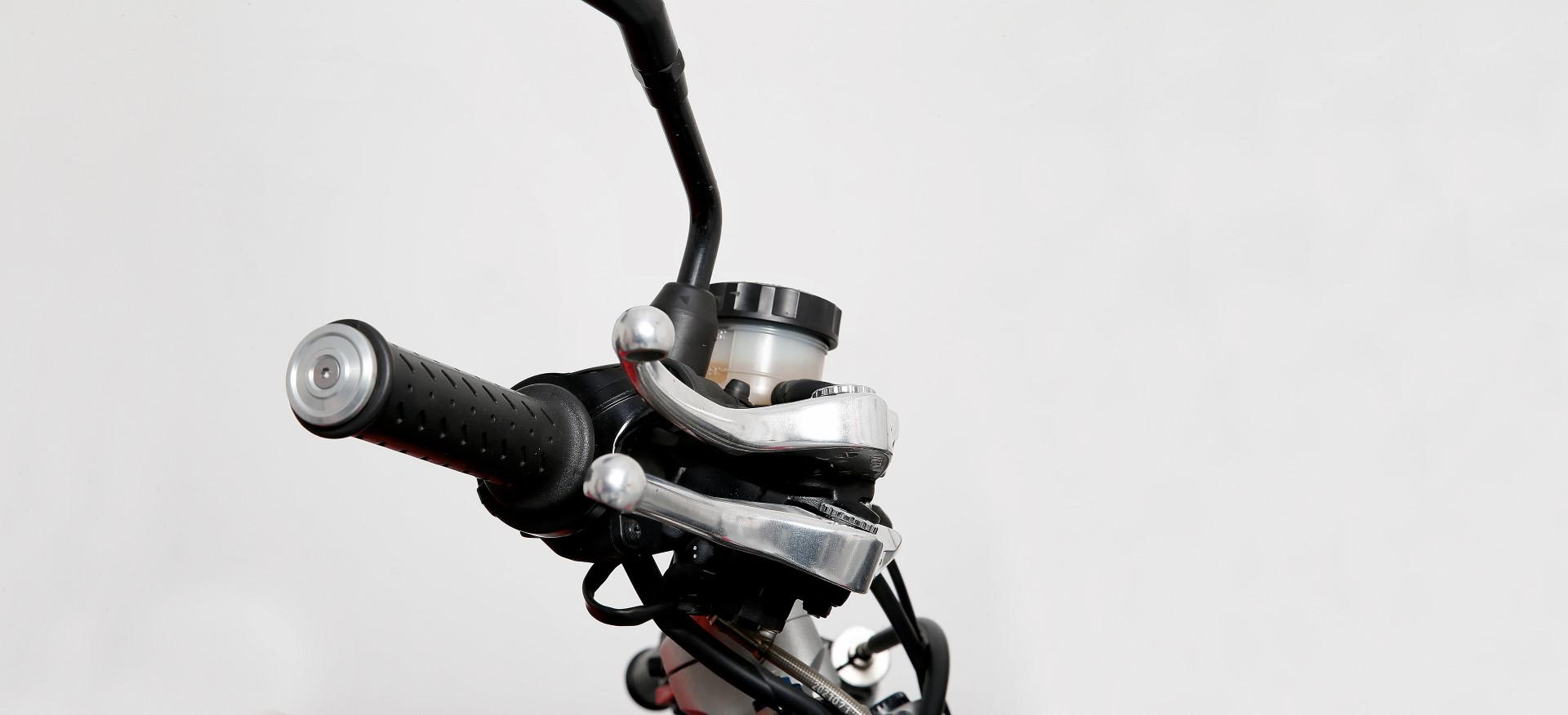 Cómo regular los mandos de tu moto
