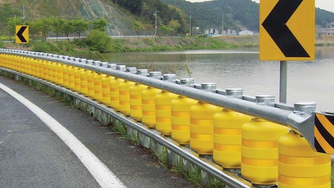 Desarrollan en Corea el 'Roller System', los guardarraíles salvavidas